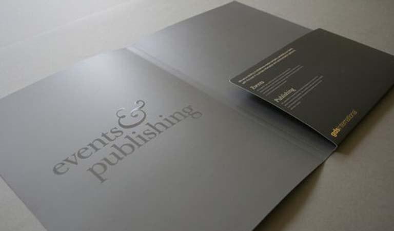 طراحی فولدر - پوشه تبلیغاتی شرکتی لوکس