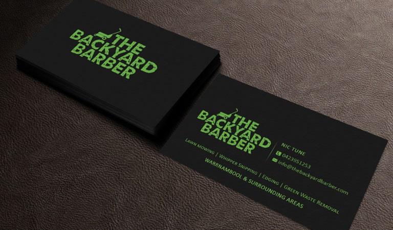 کارت ویزیت آرایشگاه مردانه - استفاده از فونت روشن برای کارت ویزیت مشکی