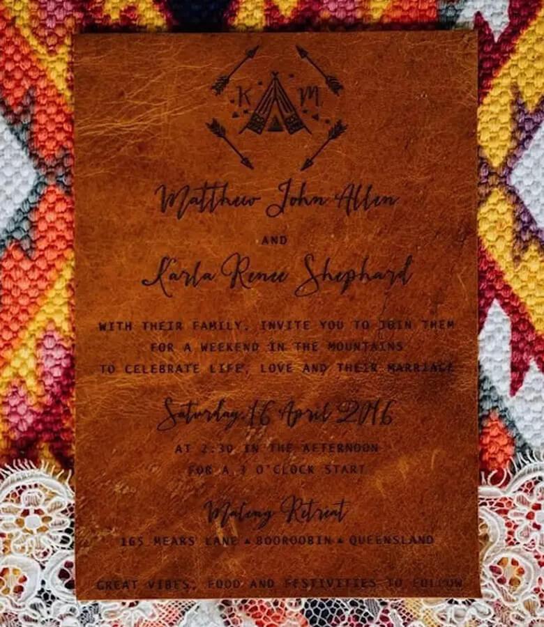 طراحی کارت عروسی - کارت دعوت چرمی
