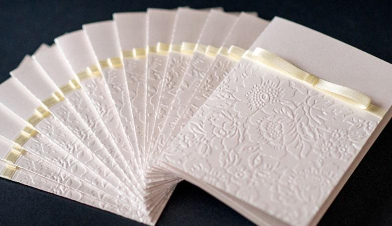 طراحی کارت دعوت - بافت را به کارت خود اضافه کنید
