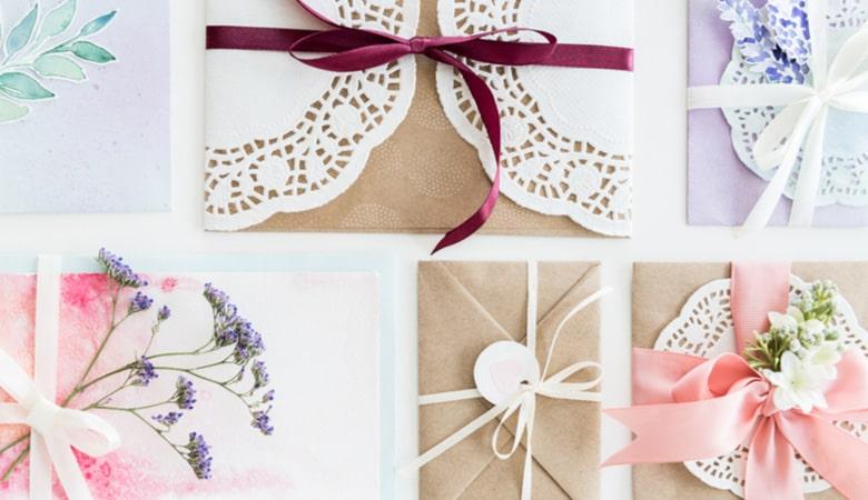 طراحی کارت دعوت - بر روی بسته بندی تمرکز کنید