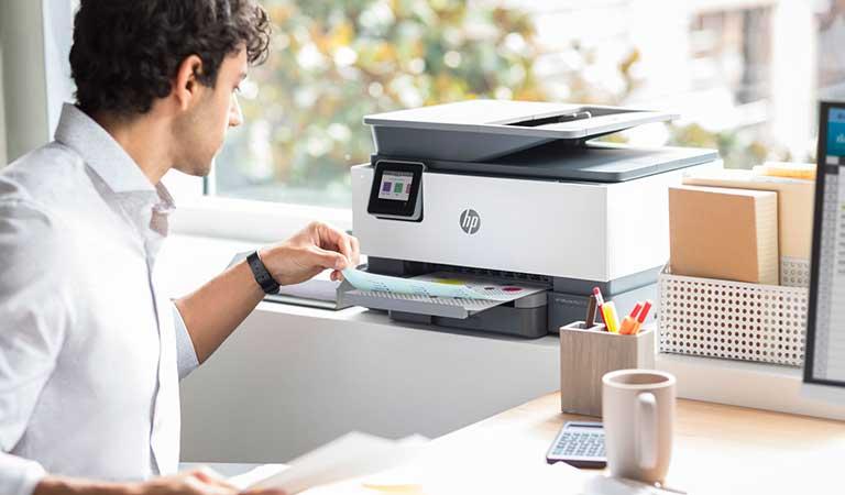 آمادهسازی مطالب برای یک شرکت چاپ - تهیه کارت ویزیت